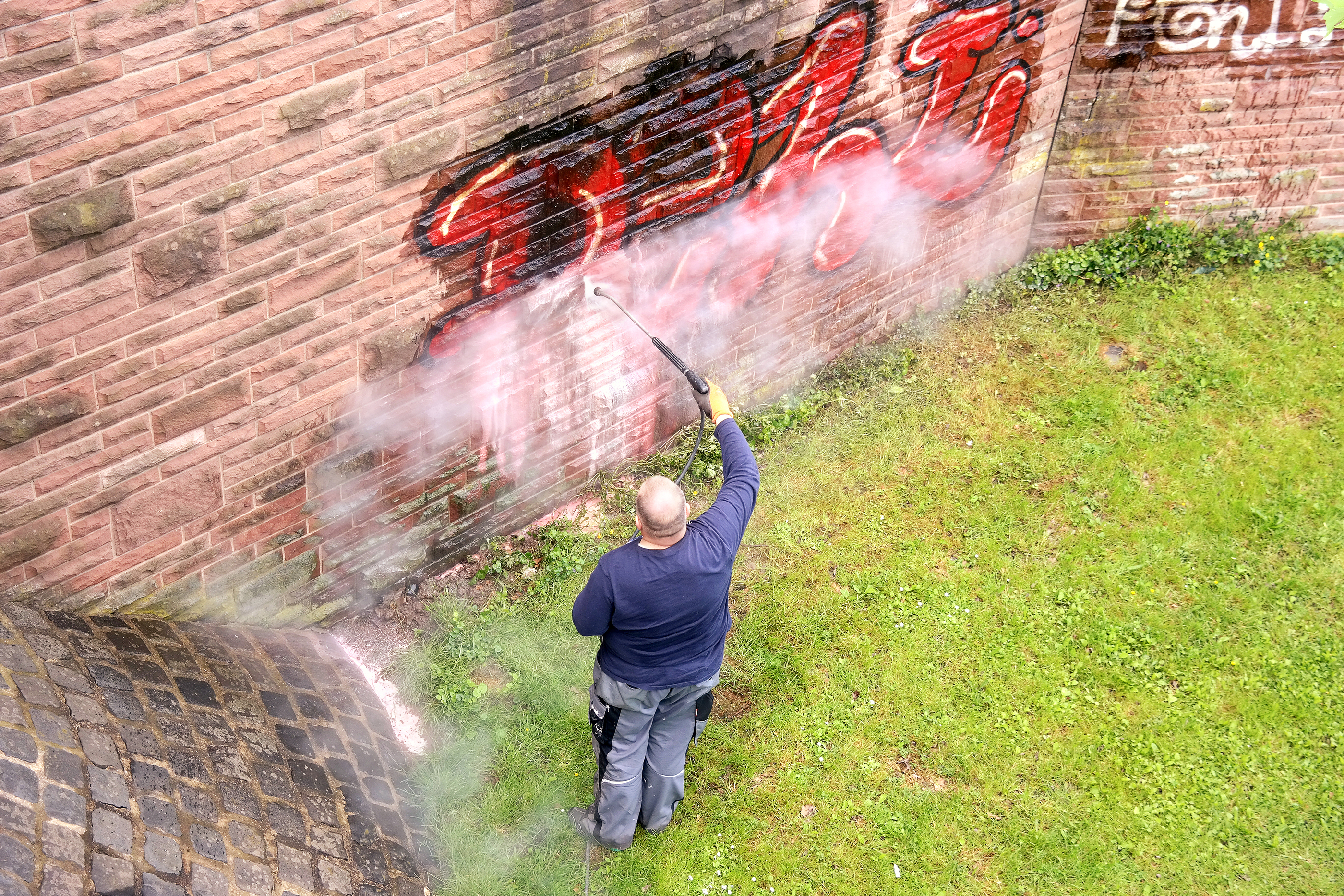 graffiti removal services in clifton tx